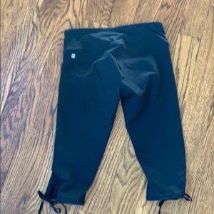 Fabletics cropped leggings